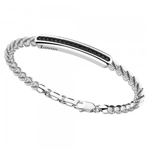 Bracciale in argento e spinelli neri con sfere decorate.