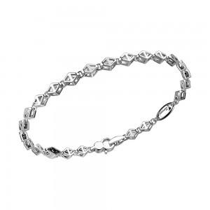 Bracciale in argento con maglie a rombi.