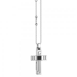 Collana in argento con croce scanalata e pietre.