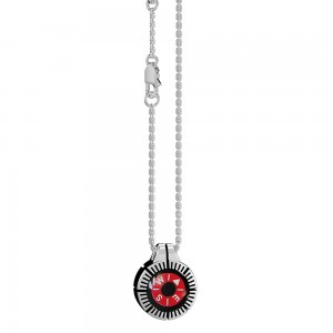 Silver necklace with red kompass